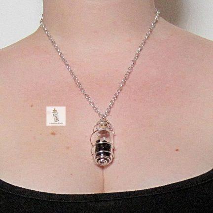 pendentif Collier amulette Steampunk Aurélia fiole et cristaux de Swarovski la manufacture de lady s bijoux steampunk